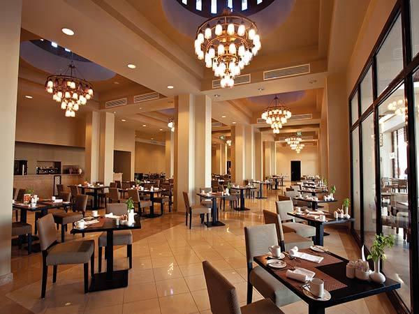Reef-Oasis-Beach-Resort-restoran-1